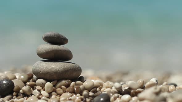 zen-stones-on-beach